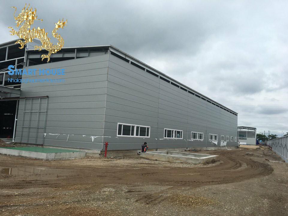 Panel rockwool – Tấm bao che nhà xưởng, nhà máy